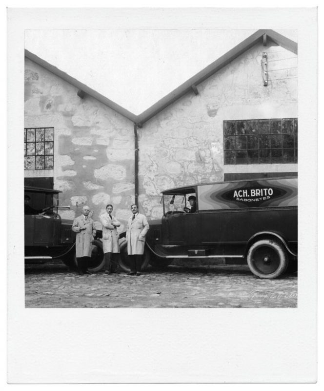 1925 - A Ach. Brito adquire a empresa Claus & Schweder, atual marca Claus Porto